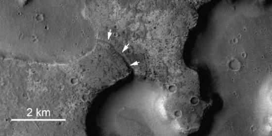 Новые изображения предполагают более недавние озера на Марсе