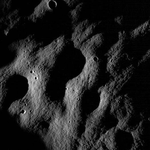 первые фотографии LRO (увеличенная область)