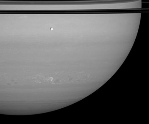 Фотография шторма на Сатурне