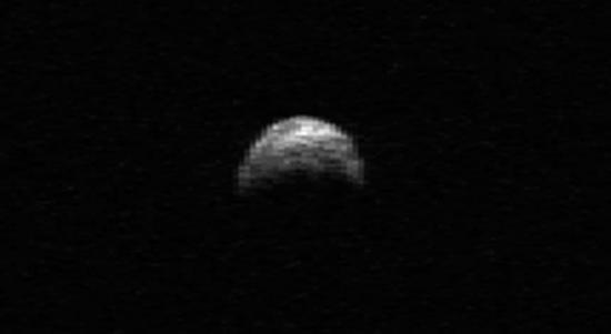 Большой астероид сблизиться с Землей осенью этого года