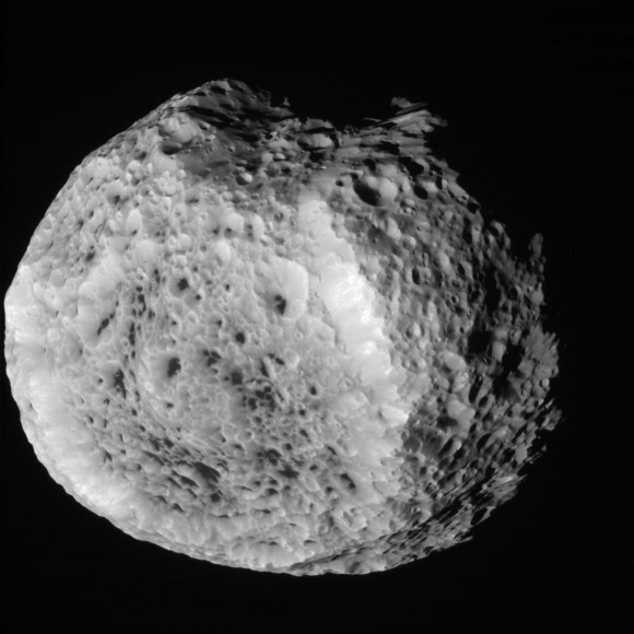 Это сырое, необработанное изображение Гипериона было сделано 25 августа 2011 года