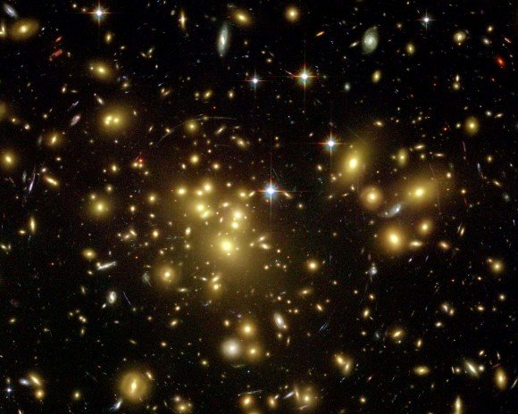 Увеличенная сверхновая звезда