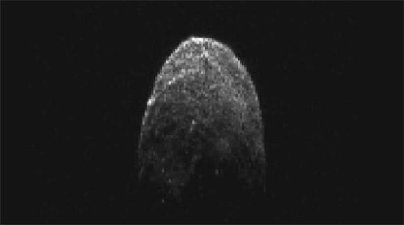 Астероид 2005 YU55 крупным планом (видео)