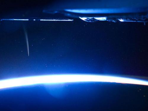 Комета Лавджой с МКС (видео)