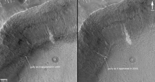 Один и тот же марсианский овраг в 2001 и 2005 году
