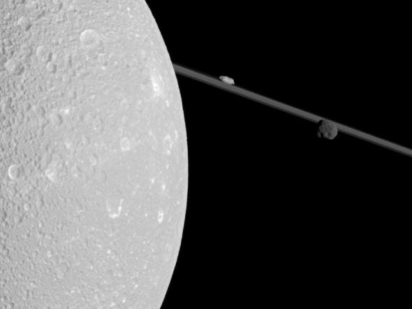 Диона - спутник Сатурна