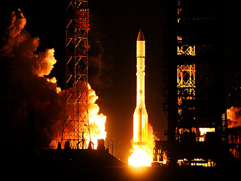 Ракета-носитель «Протон-М» удачно стартовала в День всех влюбленных