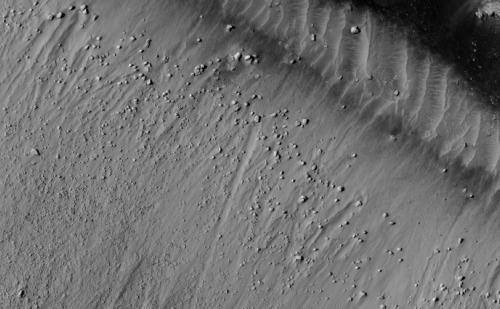 На Марсе происходят землетрясения?
