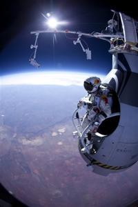«Бесстрашный Феликс» совершил второй прыжок из стратосферы