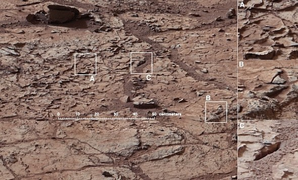 Марсоход Curiosity готовится к бурению камня