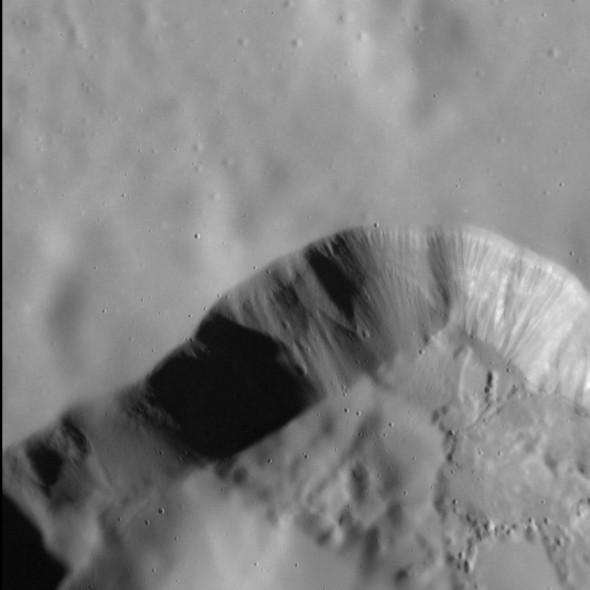 Меркурий показал свою гладкую сторону